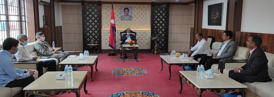 विप्लव नेकपाको प्रधानमन्त्री देउवासहित गृहमन्त्री खाँडसँग भेटवार्ता